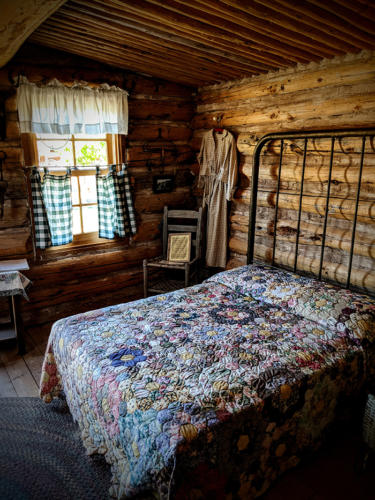 Bluff-Fort-Cabin-Bed